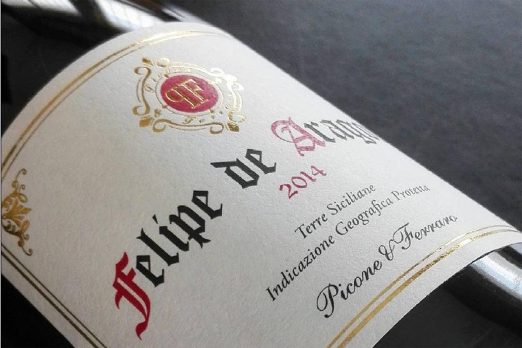 Particolare etichetta vino